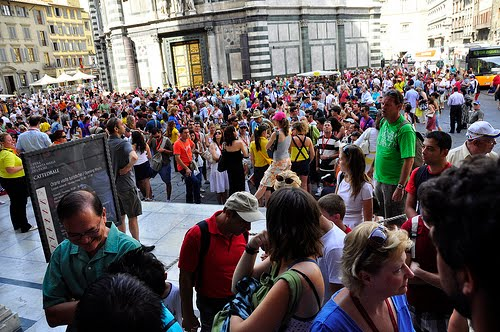 tourist-crowd-florence