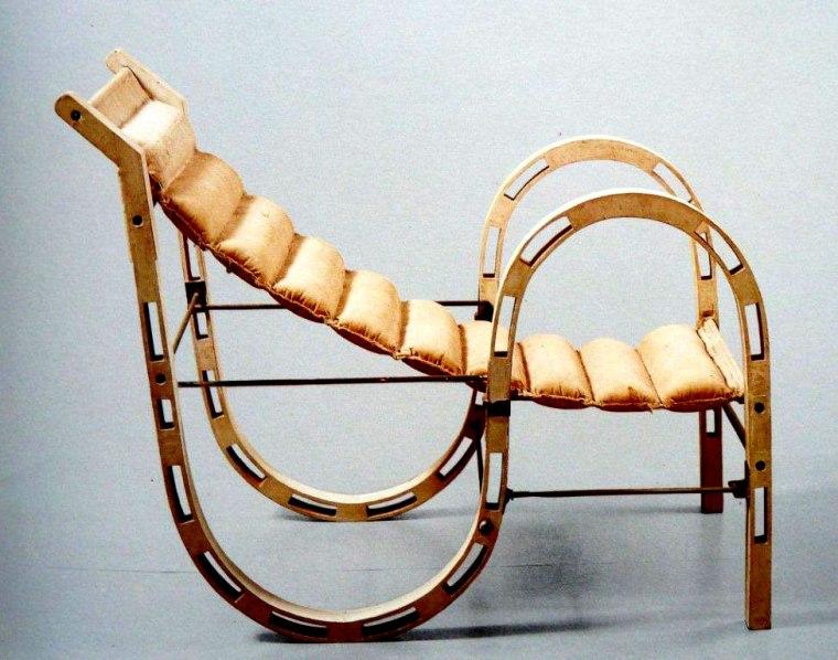 eileen-gray-chair-open