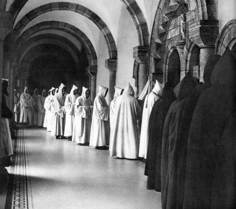 Monastery_Garments-Cistercian
