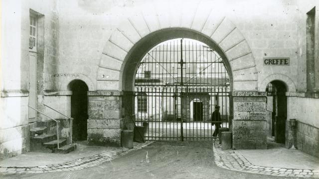 il-y-200-ans-ouvrait-la-prison-de-fontevraud