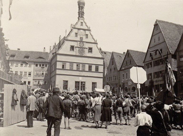 Nazi-Ralley-in-Rothenburg-1930s-Germany