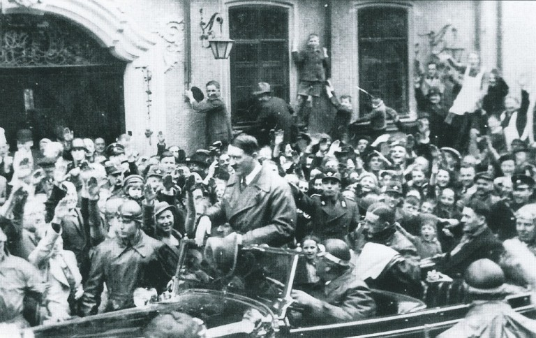 Hitler-in-Rothenburg-2-1024x646