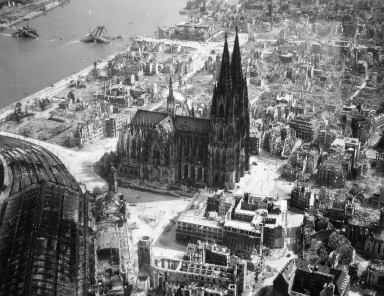 The-Cologne-Cathedral-stands-tall-amidst-the-ruins-of-the-city-after-allied-bombings,-1944-(1)