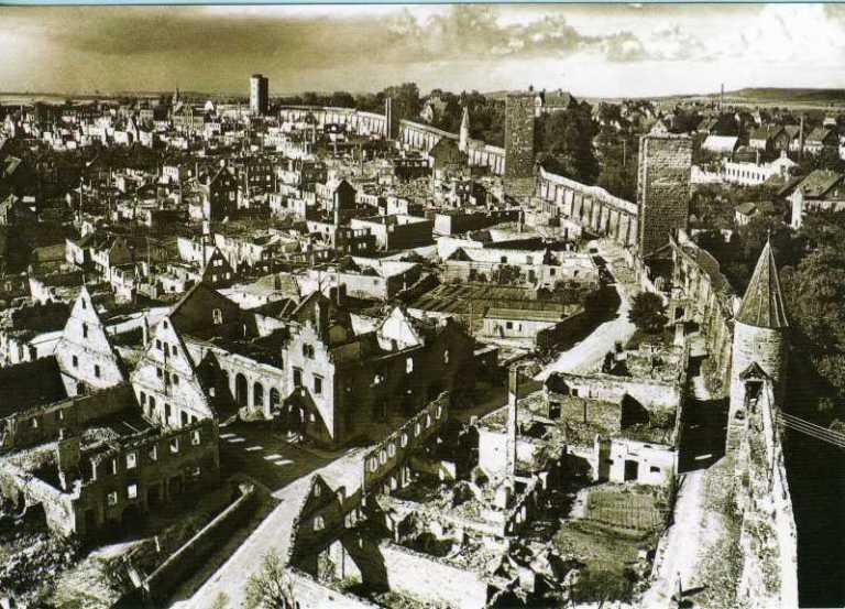 Rothenburg_ob_der_Tauber_Bomben_Zerstörung_Weltkrieg_1945